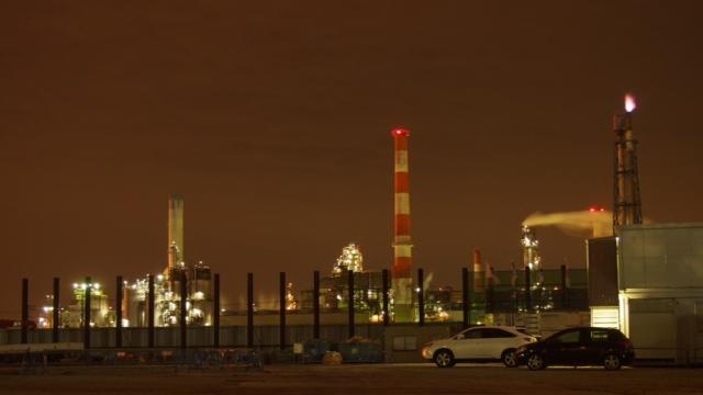 グロム 工場夜景