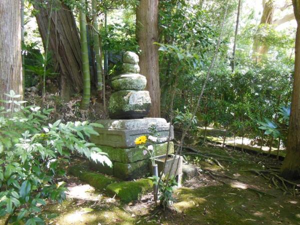 北条泰時墓