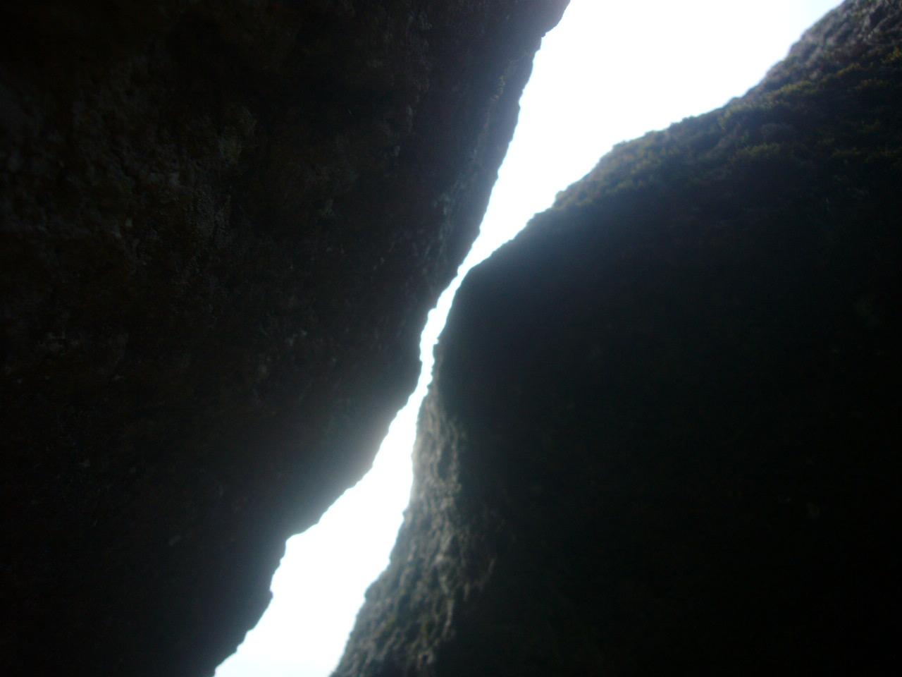 仙人岩には隙間があった H27.8.3