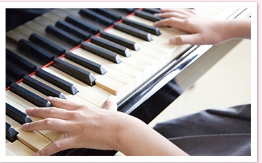 ピアノの練習 (2)