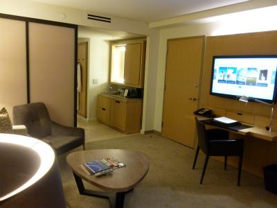 ホテルリビングルーム1