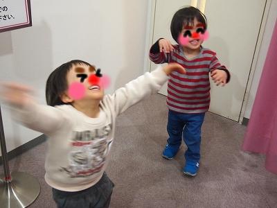 練り歩く2人(笑)