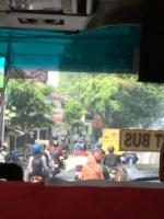 ジャカルタの空港からバス