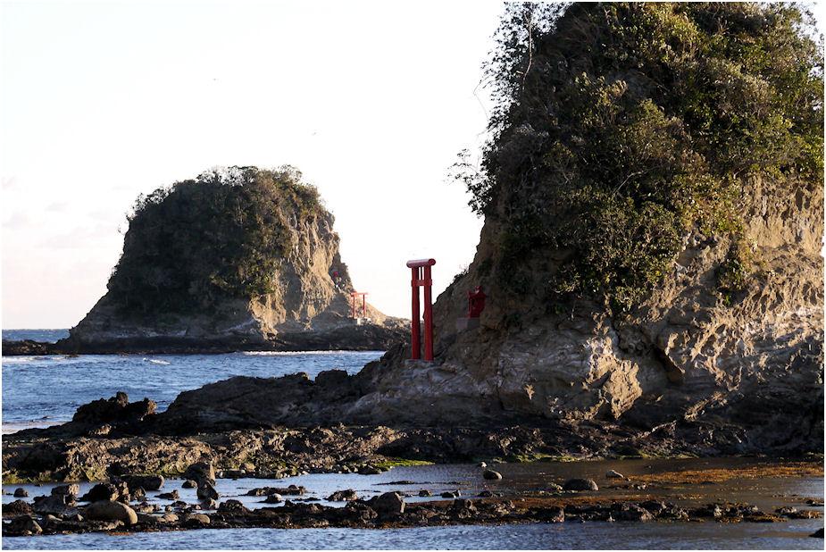 小弁天島からの大弁天島