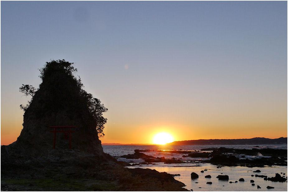 小弁天島の夕日