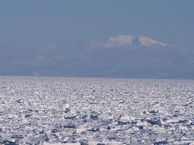 2015流氷と山