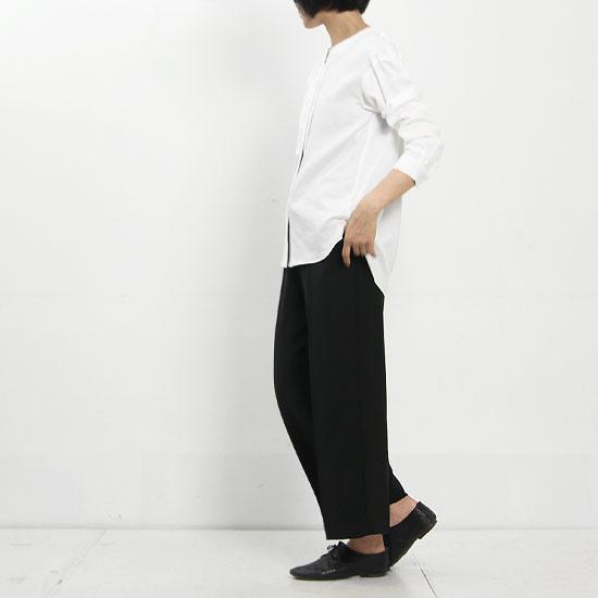 yangany (ヤンガニー) ダブルサテンセンタープレスワイドパンツ