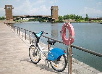 シクロシティ自転車環水公園夏
