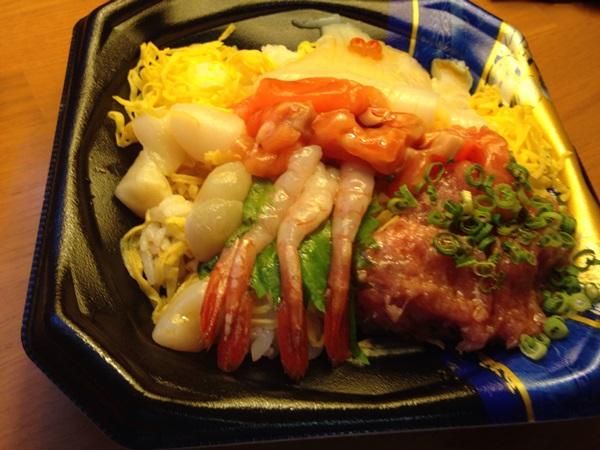 夕飯の海鮮丼