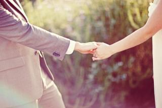 結婚式写真ポーズ_ユニーク_おしゃれ_手のみ