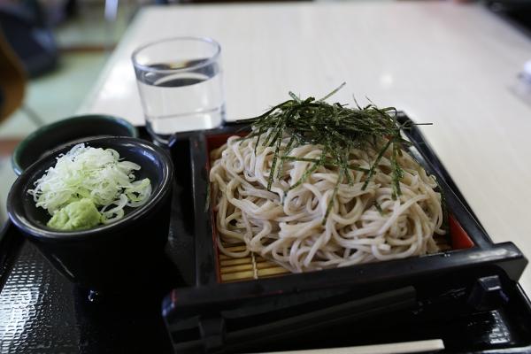 梓川SAの蕎麦。美味しい。