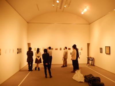 仲間たち展2015展示作業3