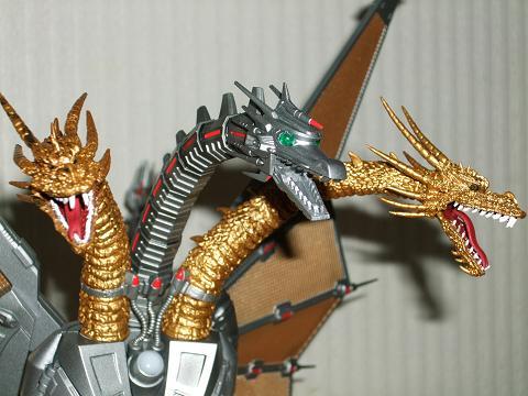 『ゴジラ』のフィギュア~S.H.MonsterArts 「メカキングギドラ」(3)