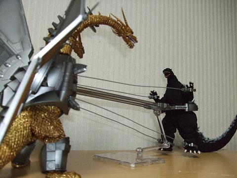 『ゴジラ』のフィギュア~S.H.MonsterArts 「メカキングギドラ」(6)