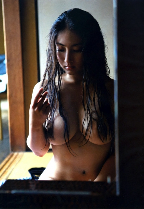 紗綾 Fカップ グラビア セミヌード 04