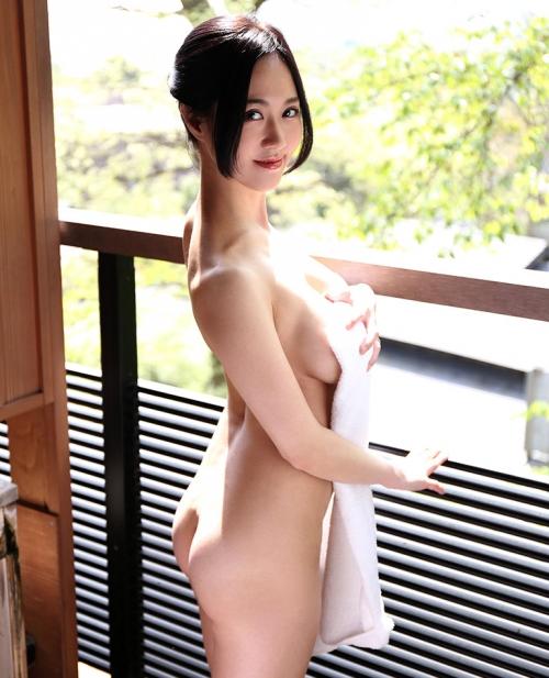 菅野さゆき Jカップ AV女優 13