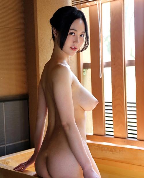 菅野さゆき Jカップ AV女優 18