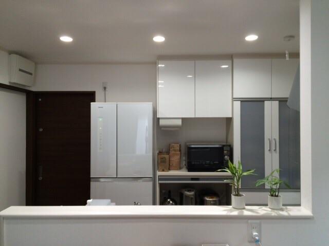 新築一戸建 延床32坪 4LDK 対面キッチン ホワイト シンプル 無印良品