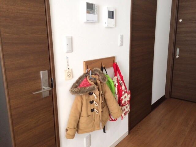 無印良品 壁に付けられる家具・3連ハンガー・タモ材ナチュラル リビング 子供 通園バッグ掛け 保育園 幼稚園