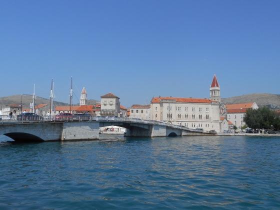 クロアチア、トロギル