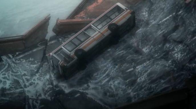 12 バス転落