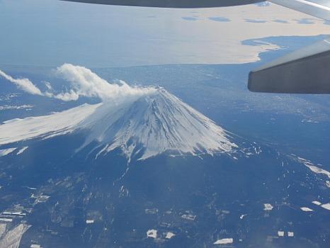 雲海の中の富士