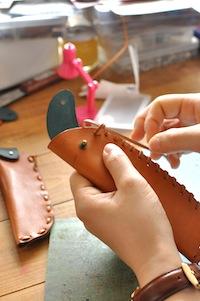 革WSペンケース革縫い