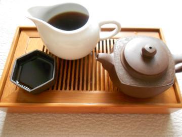 この茶壺と茶杯はプーアル茶専用にしております