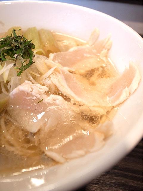 150418田なか-桜舞う美桜鶏そば・鶏タタキ