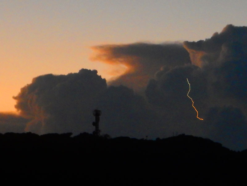 150805k雲の中の雷光3