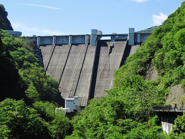 Urayama_Dam.jpg