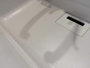 樹脂シンクをクリームクレンザーで磨いた後2