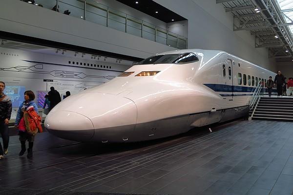 Linear-Tetsudo-32.jpg