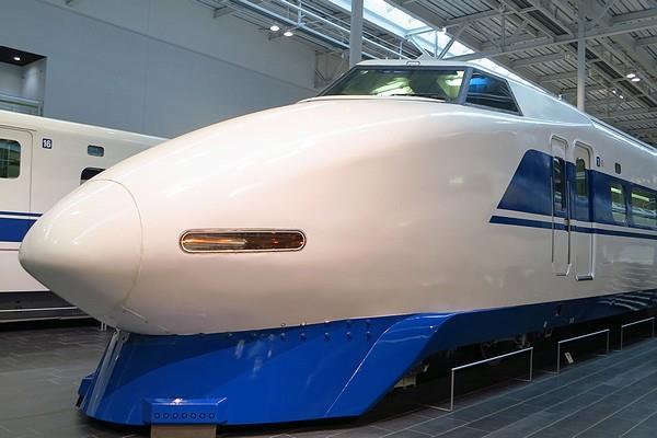 Linear-Tetsudo-34.jpg
