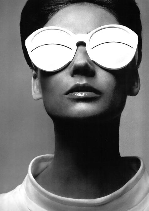 simone-paris-in-coureges-eskimo-glasses-1965-photo-richard-avedon.jpg