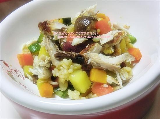 焼きさばと彩り野菜の玄米ライスサラダ♪