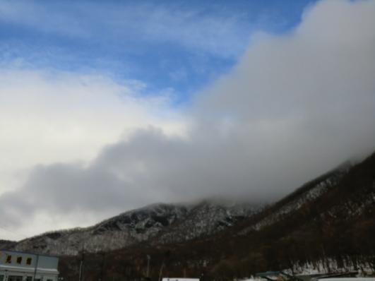 黒檜山に雲がかかる