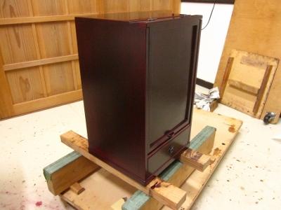 漆塗り、朱溜塗りの化粧箱、蓋を閉めたところ