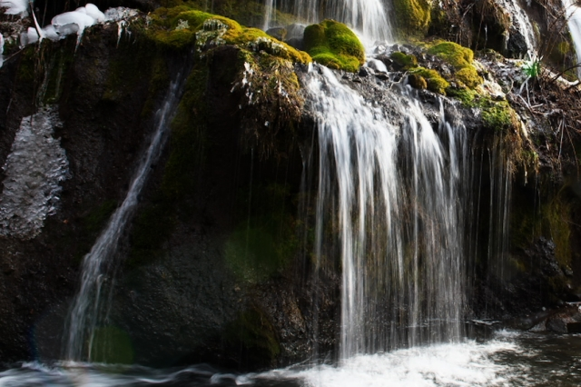 吐竜の滝-0