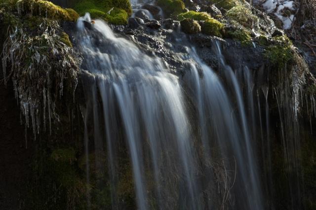 吐竜の滝-5
