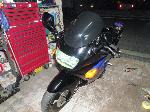 ZZR400727.jpg