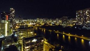 ロイヤルガーデンのラナイから見た夜景