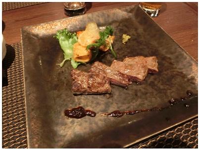 静岡産和牛のロースト玉ねぎソース
