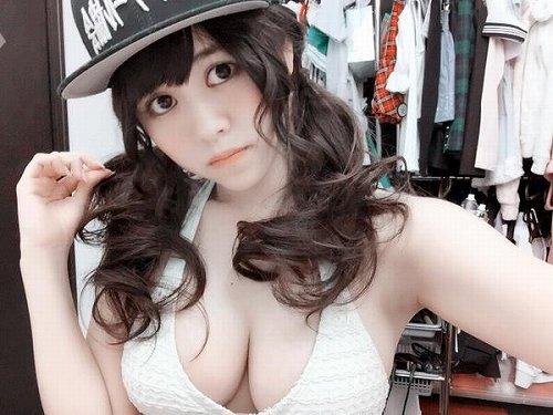 志崎ひなた爆乳おっぱい画像a18
