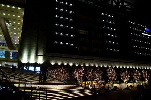 _大阪駅とグランフロントの間DSC_0455