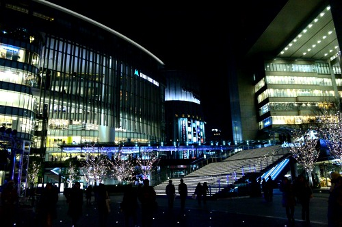 _大阪駅とグランフロントの間DSC_0469