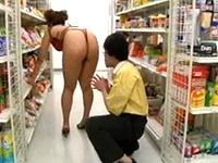 若いバイト娘ちゃんが、ムチムチ卑猥チャイナ服で出勤!デカ尻を思い切り突き出して仕事するので店長欲情しちゃって、背後からいきなりチャイナ店員を襲って店内でパコリだしちゃいます!!