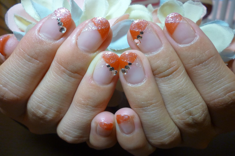 オレンジ×ホワイトラメのクロスフレンチネイル