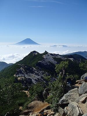 観音岳と富士山