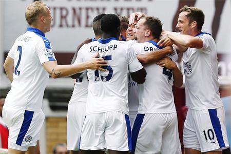 okazaki shinji first goal for Leicester city